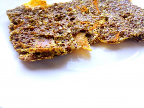 turmeric pepper raw vegan flax crackers