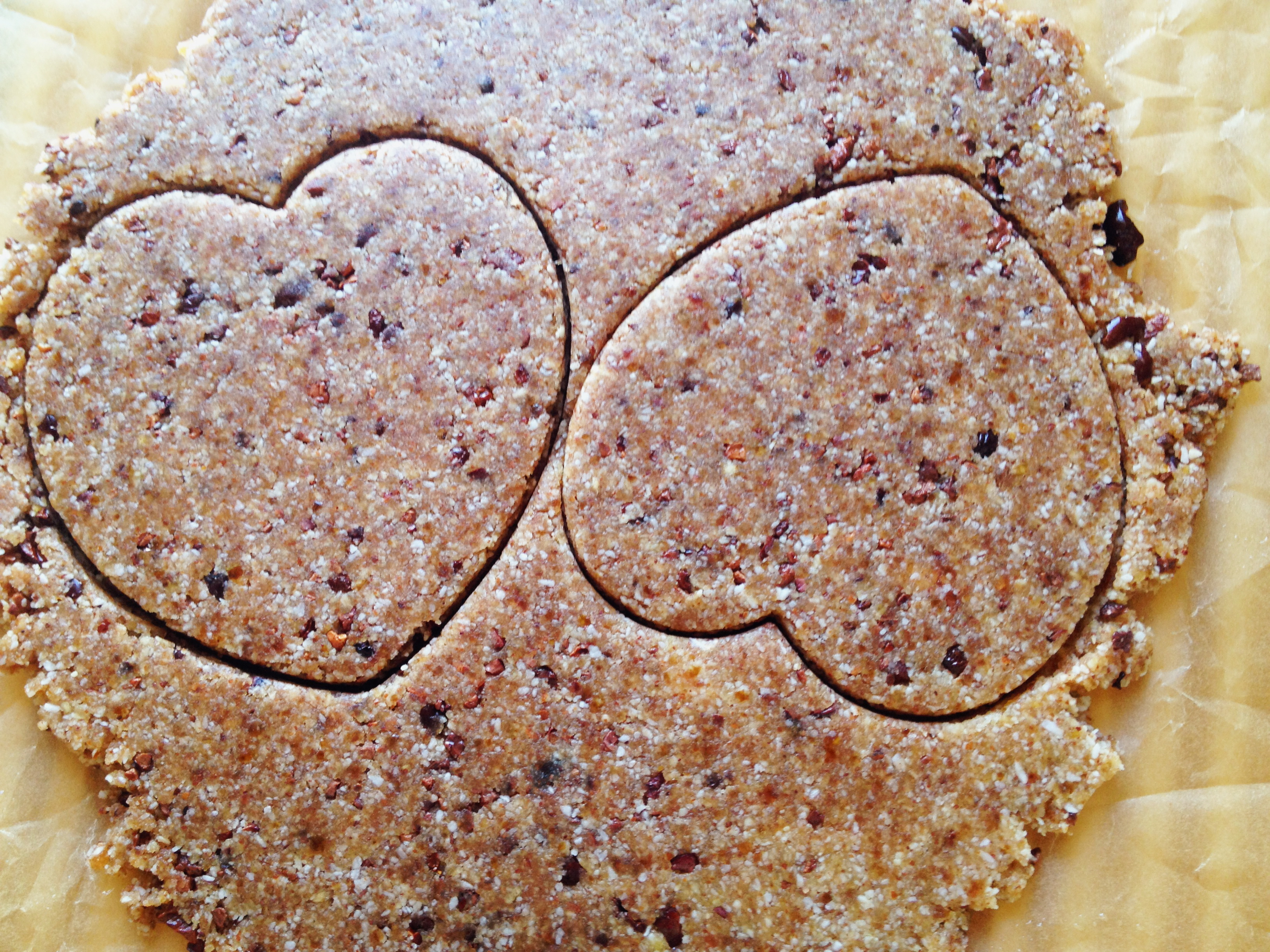 Valentine S Day Raw Vegan Chocolate Chip Heart Cookies Inphyusion