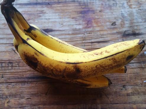 dairy-free raw vegan banana split recipe